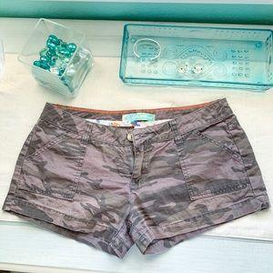 O'Neill camo shorts!